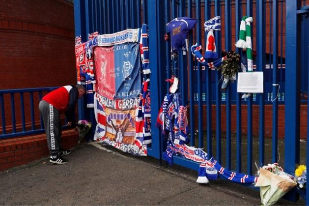 Eerbetoon van Schotse supporters bij stadion Glasgow Rangers