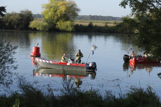 Hulpdiensten beëindigen zoektocht naar mogelijke drenkeling in Maas; niemand aangetroffen