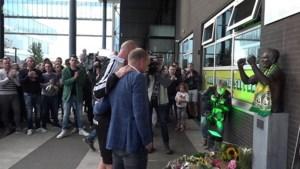 Video: Indrukwekkende minuten stilte voor Fernando Ricksen