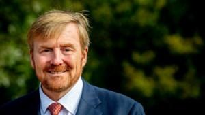 Bas stuurt baardolie naar Willem-Alexander en krijgt koninklijke reactie