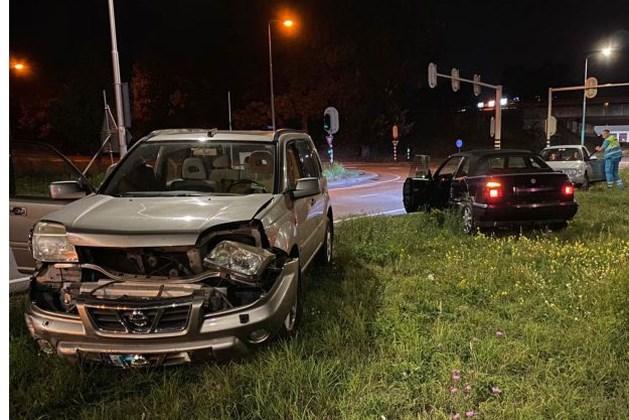 Forse schade bij ongeluk tussen twee personenauto's