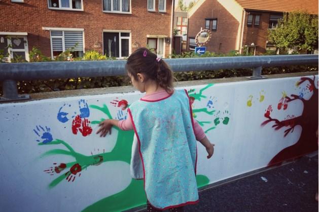 Schoolomgeving De Ganzerik is verlevendigd met kunst