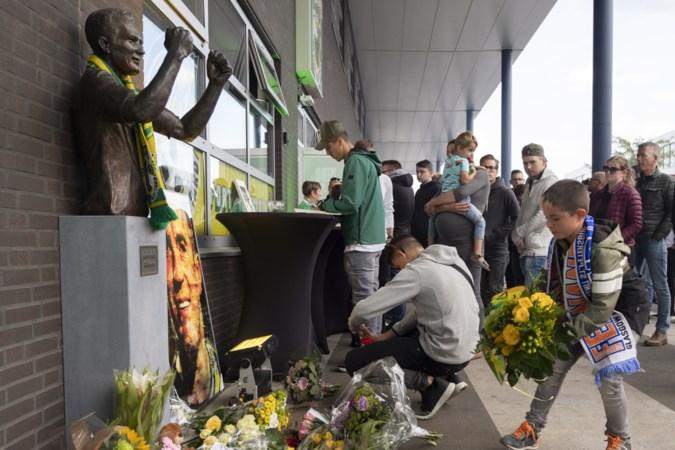 Vitesse-Fortuna: fans zwaaien spelers uit ter nagedachtenis Ricksen