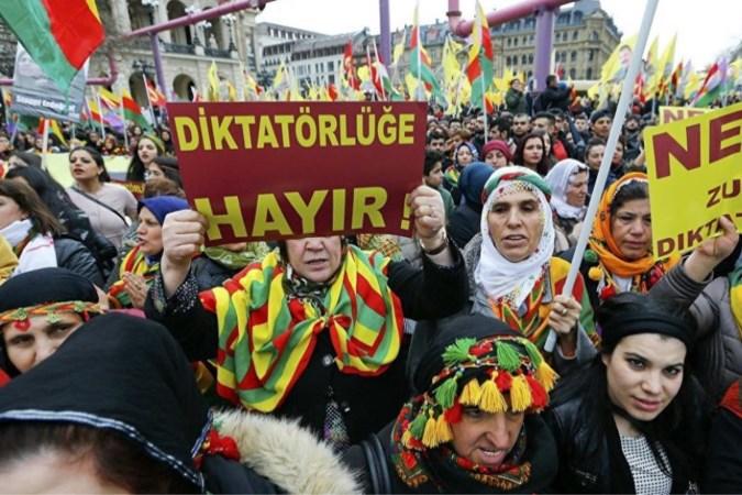 Turken boos om Koerdische manifestatie in Maastricht