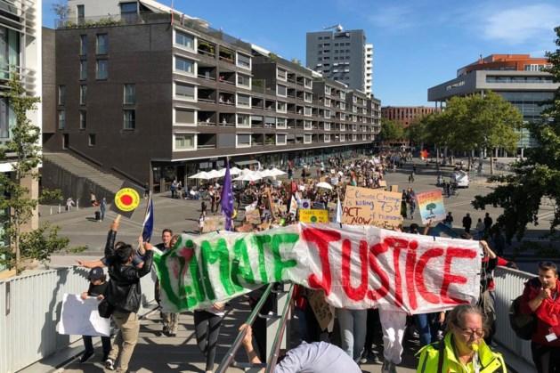 Klimaatmars in Maastricht brengt meer dan 2000 mensen op de been
