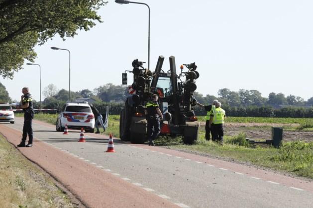 Fietser ernstig gewond na aanrijding met tractor
