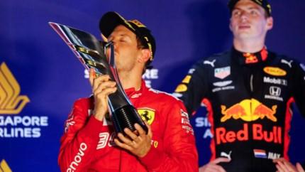 Podcast: 'Ferrari gaat het Max Verstappen nog heel moeilijk maken'