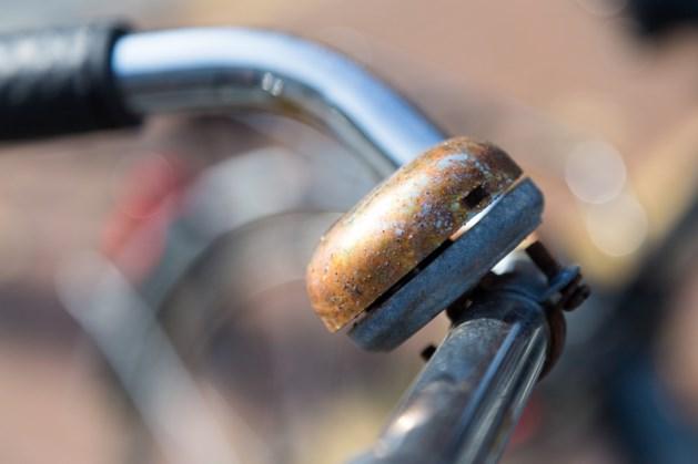 Opruimen fietsen stations Meerssen en Bunde