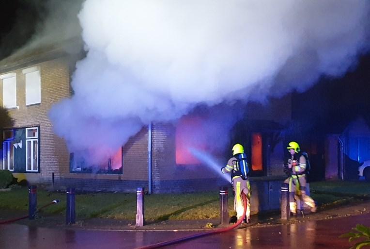 Huis onbewoonbaar na brand in Ulestraten, bewoner lichtgewond