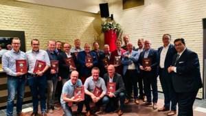 Handboek Veiligheid uitgereikt aan leden Samewirkende Limburgse Vasteloavesvereniginge
