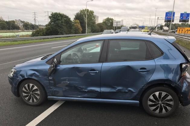 Twee rijstroken dicht na ongeval met meerdere auto's op A2 bij Urmond