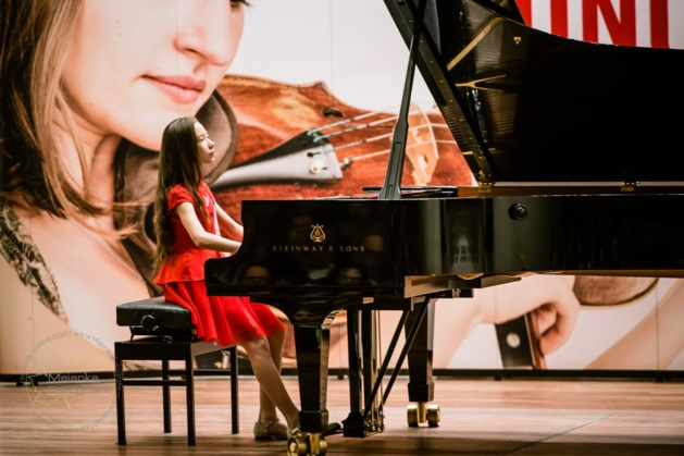 11-jarige Chinese speelt Mozart en Liszt in Lutherse kerk Maastricht