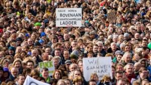 Leraren gaan weer staken uit woede om oplopende tekort