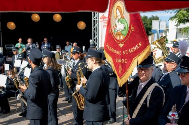 Koninklijke erepenning voor 100-jarige harmonie Sint Agnes uit Bunde