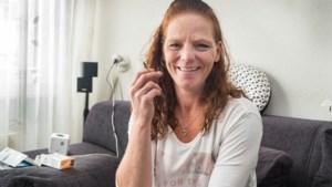 Natasja rookt 50 sigaretten per dag en wordt voor Stoptober 'opgesloten'