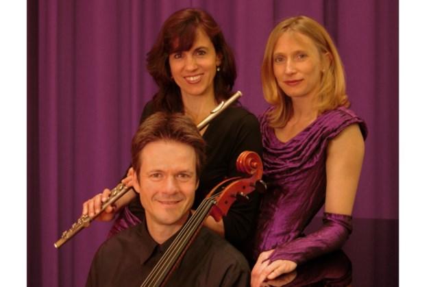 Trio Cassis treedt op in de Kopermolen Vaals