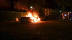 Twee auto's in vlammen op in Weert