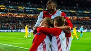 Feyenoord klopt Porto na heerlijk voetbalgevecht in de Kuip