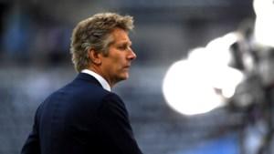 Ajax wil verder met Van der Sar als directeur