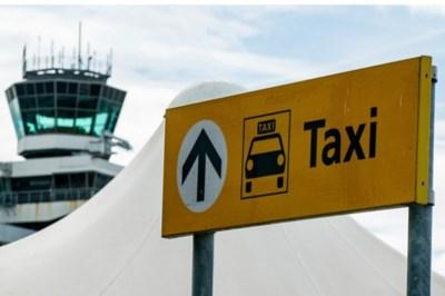 'Taxichauffeurs Schiphol betaalden smeergeld aan hoofdagent'