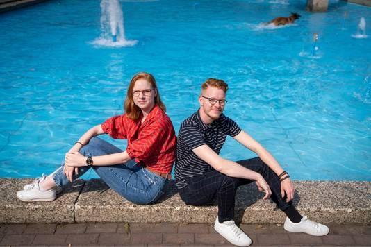 Geboren als eeneiige tweelingzussen, zijn Laurens en Yentl nu broer en zus: 'Toen ik 17 was, viel voor mij het kwartje'