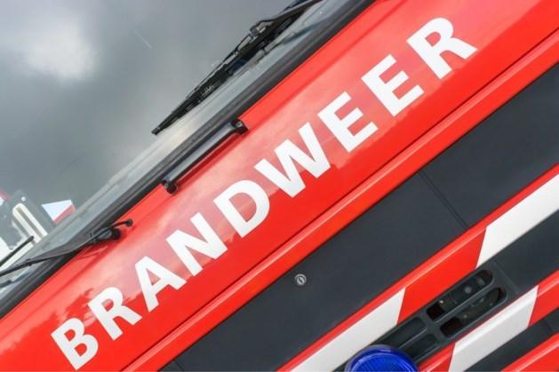 Hulpdiensten rukken uit voor brand in chalet