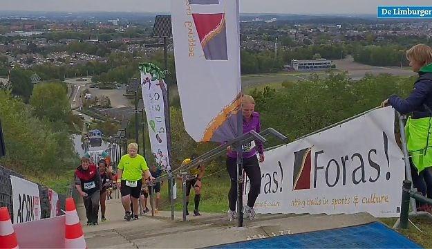 Video: Negen uur afzien op de langste trap van het land