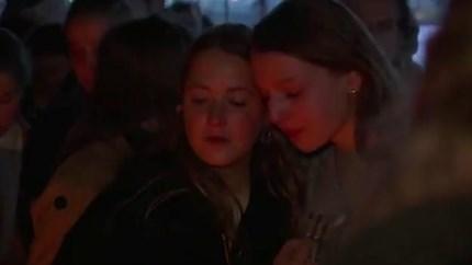 Vrienden eren vermoorde Julie Van Espen (23) met video: 'Je brengt nog altijd mensen bij elkaar'