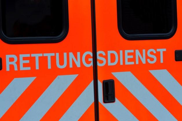 Man rijdt met vrachtwagen in op auto's: 16 gewonden