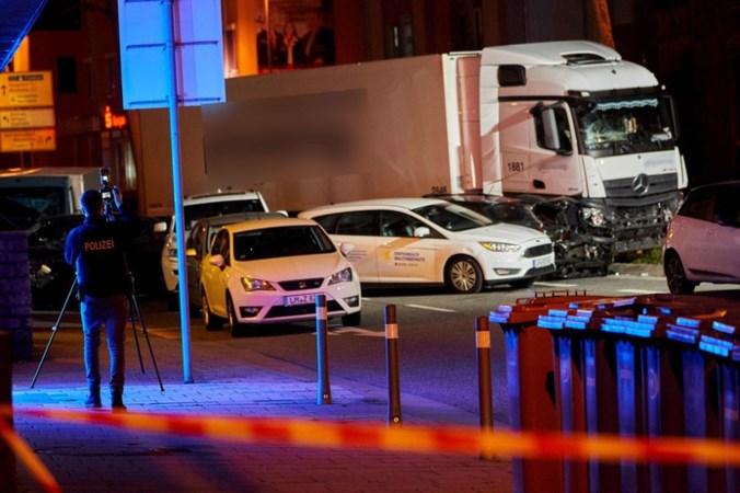 Inrijden van vrachtwagen op auto's in Duitsland beschouwd als terreuraanslag