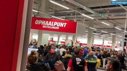 Video: Gewonden bij chaotische 'feestelijke' opening Mediamarkt