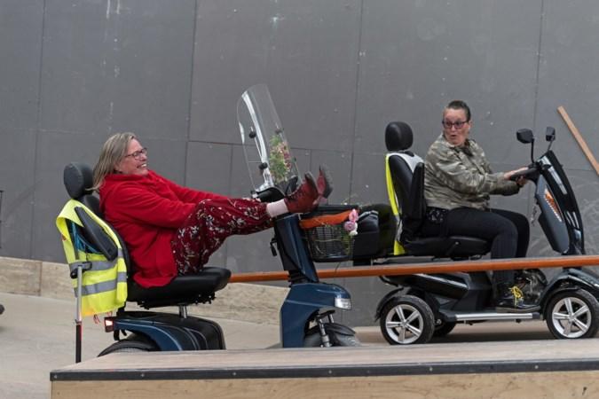 Leren rijden op een scootmobiel: Help! Waar zit hier de rem?