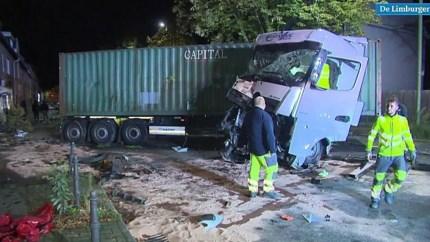 Video: Dronken vrachtwagenchauffeur richt enorme ravage aan in Duitsland