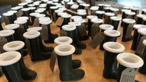 Venlose reuzenlaarzen ook in miniatuurversie: 'Ze groeien uit tot het symbool van Venlo'