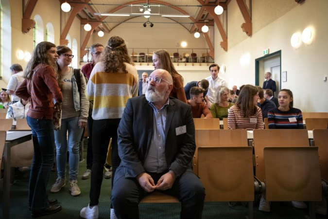 Frans Timmermans: 'Gebruik jullie macht en ga de straat op'