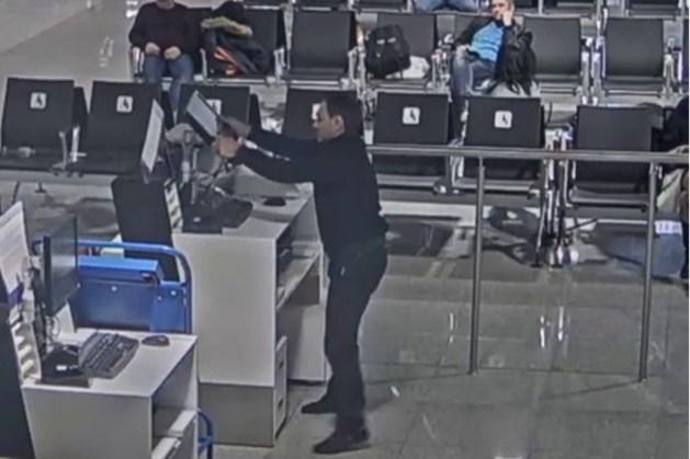 Dronken reiziger slaat incheckbalie vliegveld Moskou aan diggelen