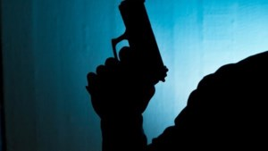 Wiet en een wapen: drietal aangehouden in Houthem