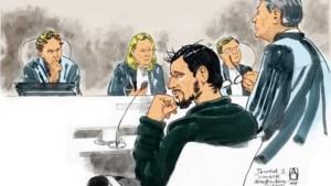 26 jaar en 8 maanden cel voor Afghaan die Amerikanen neerstak op station Amsterdam