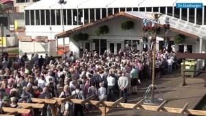 Video: Ouderen vechten om plaatsen op Rimpelpop