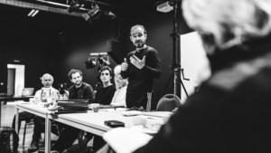Toneelgroep geeft de laatste getuigen van de oorlog een stem en een gezicht