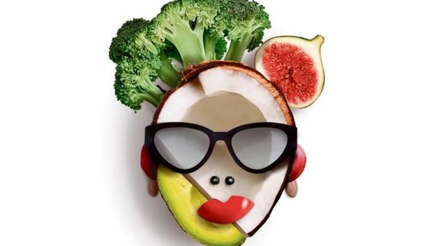 Fruitmand in je dagcrème: de zin en onzin van natuurlijke cosmetica