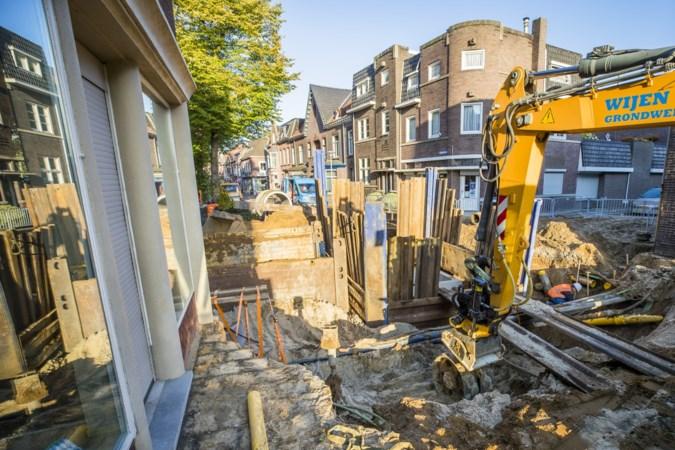 Nevel van ontsnapt gas en een 'waterval' door Blerickse straat