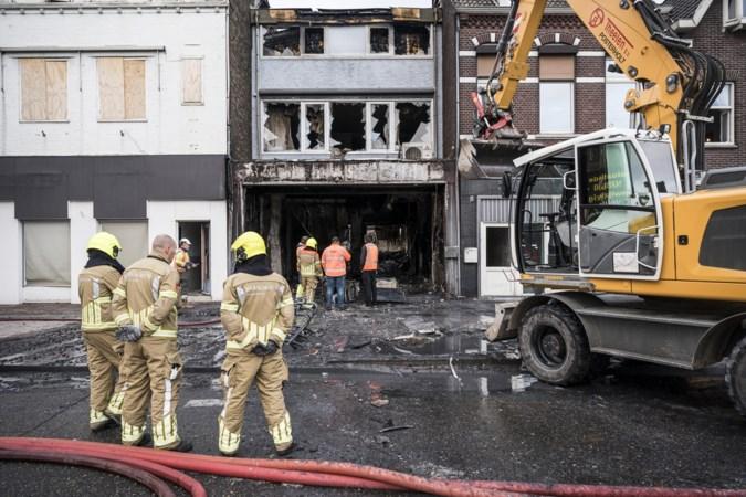 Politie: 'Brand in autobedrijf in Brunssum aangestoken'