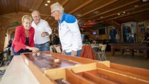 Glazen Café Beek haalt geld op voor eenzame ouderen
