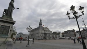 Vlam van Minckelers in Maastricht brandt even dag en nacht