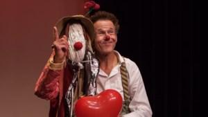 De clown ontmoet de mens met dementie in het Munttheater