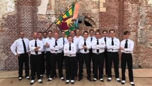 Drumband van Harmonie Berggalm oefent voor concertconcours