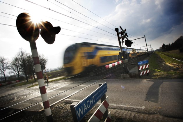 Treinverkeer tussen Roermond en Sittard weer hervat na overwegstoring