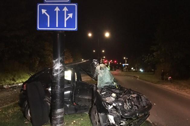Automobilist zwaargewond bij ongeval in Maastricht