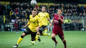 VVV - Vitesse 0-4: Bryan Linssen geeft masterclass in De Koel